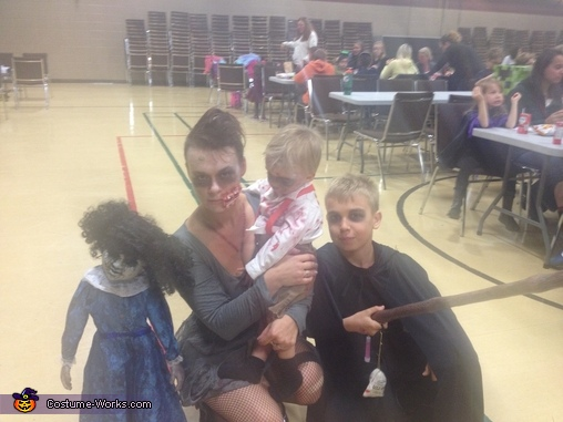 Family ties, Baby Zombie Costume