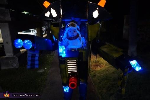 Babymech in the dark!, Babymech Costume