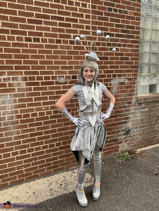 My right hand girl, Back From the Future Costume
