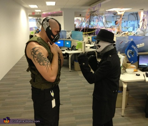 This should be interesting Bane Costume & Bane Costume - Photo 2/5