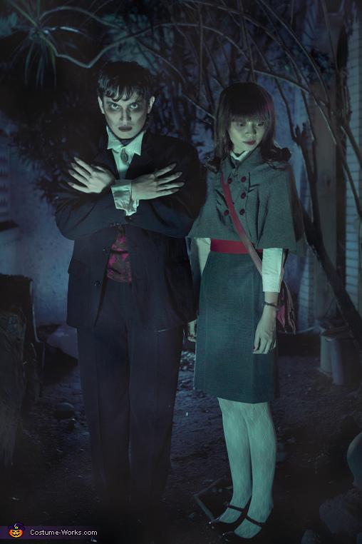 Barnabas Collins & Victoria Winters Costume