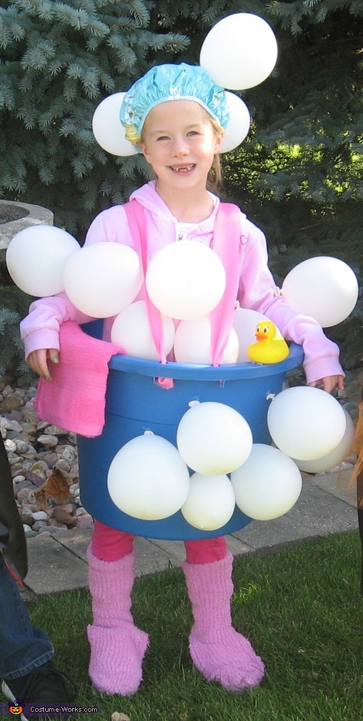 Bathtub and Bubbles - Homemade costumes for girls