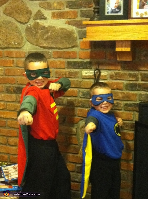 Batman and robin posing, Batman and Robin Costumes