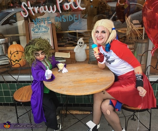 Joker and Harley Quinn eating ice cream, Batman Costume