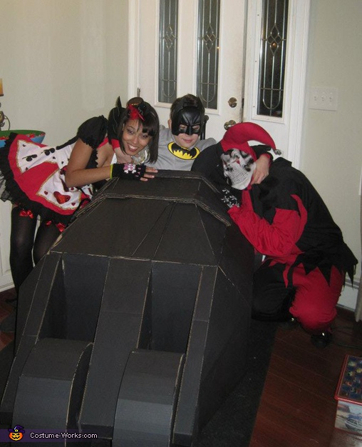 Batman on Wheels Captures Joker and Harley Quinn! - Homemade costumes for families