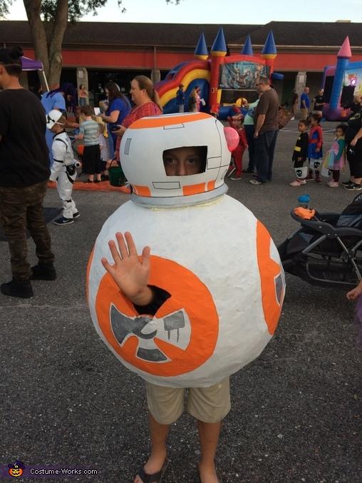 Say hi to BB8, BB-8 Costume