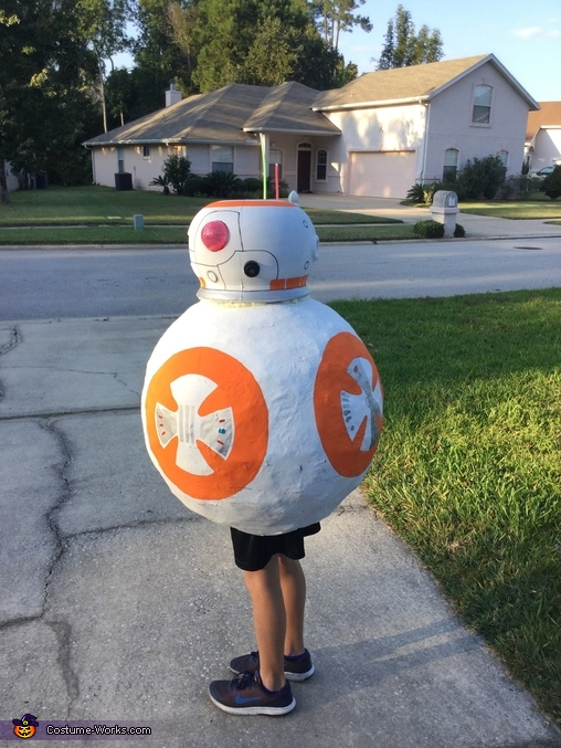 BB8 side 1, BB-8 Costume