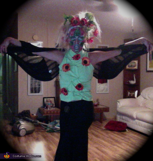 Become One whith a Flower Costume