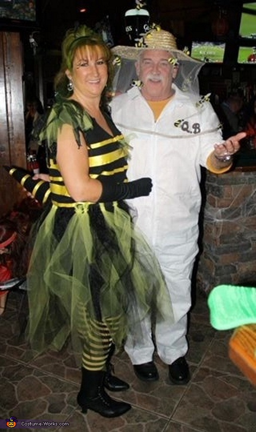 bee keeper and his queen bee couple costume