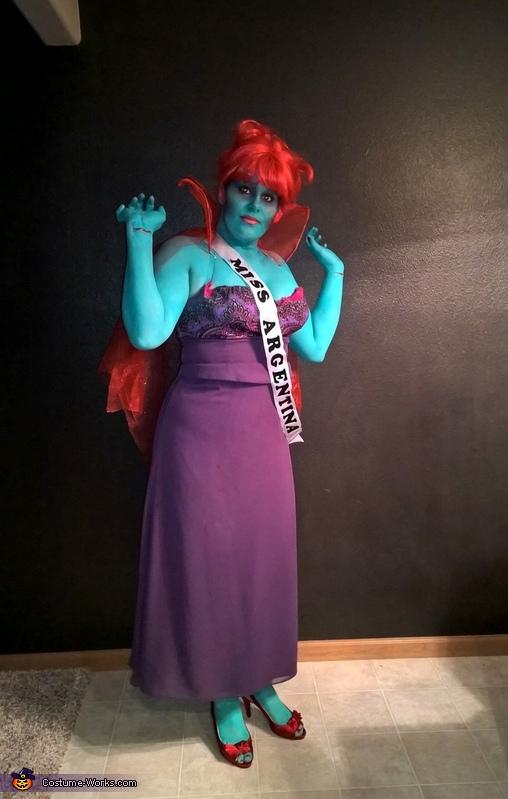 Miss Argentina, Beetlejuice Costume