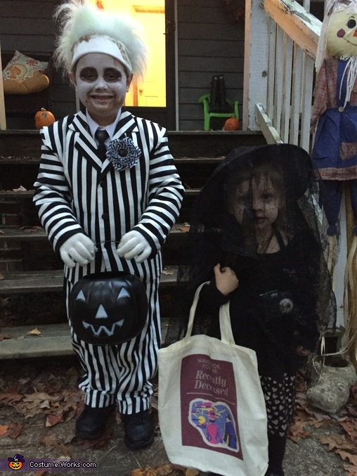 Beetlejuice and Lydia Deetz, Beetlejuice Family Costume