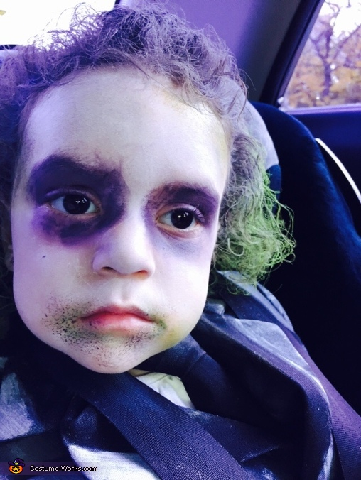 Make up close up, Beetlejuice Baby Girl's Costume