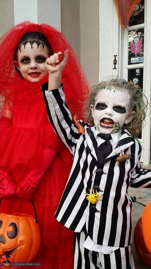 It's showtime!, Beetlejuice and Lydia Costume