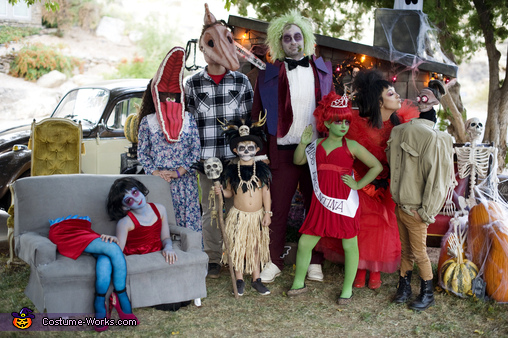 Beetlejuice Family Costume Mind Blowing Diy Costumes