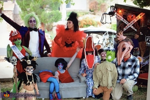 ITS SHOWTIME!!, Beetlejuice Family Costume