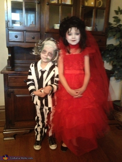 Beetlejuice Family Halloween Costume Photo 2 3