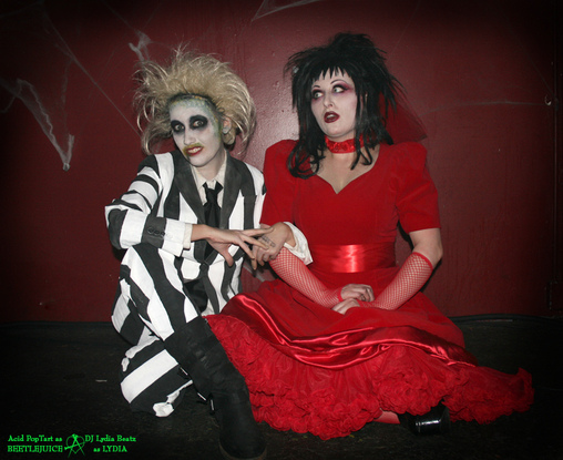 darling couple beetlejuice and lydia costume