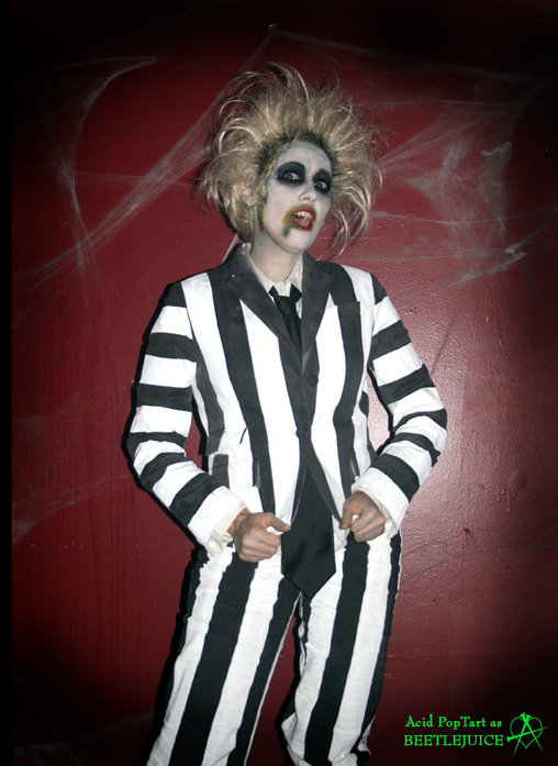 Beetlejuice! Beetlejuice! Beetlejuice!, Beetlejuice and Lydia Costume