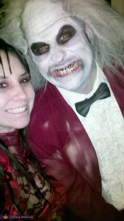 Smile pretty!, Beetlejuice & Lydia Deetz Costume