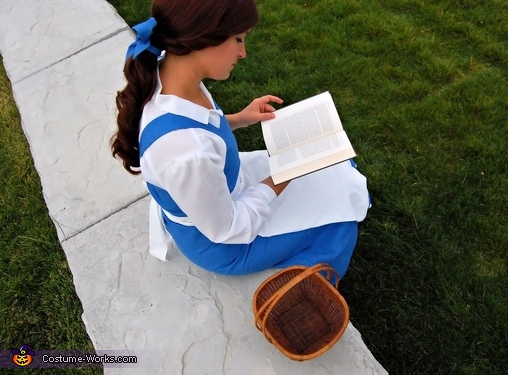 Belle - Her nose always stuck in a book, Beauty and the Beast Belle Costume