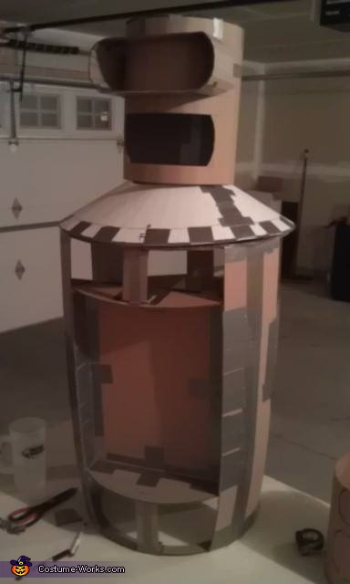 Structure of the build on Day 4, Bender Costume