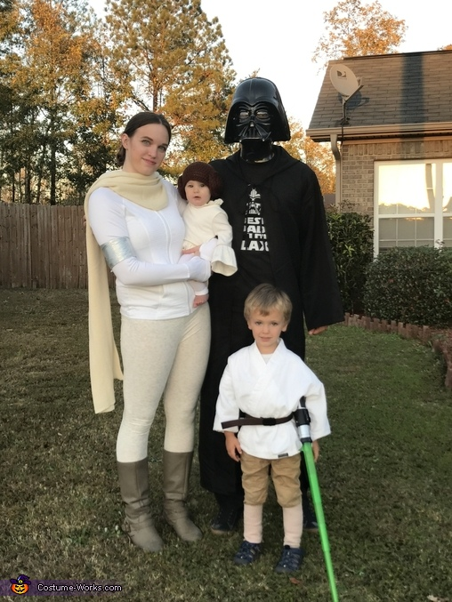 Best family in the Galaxy Costume