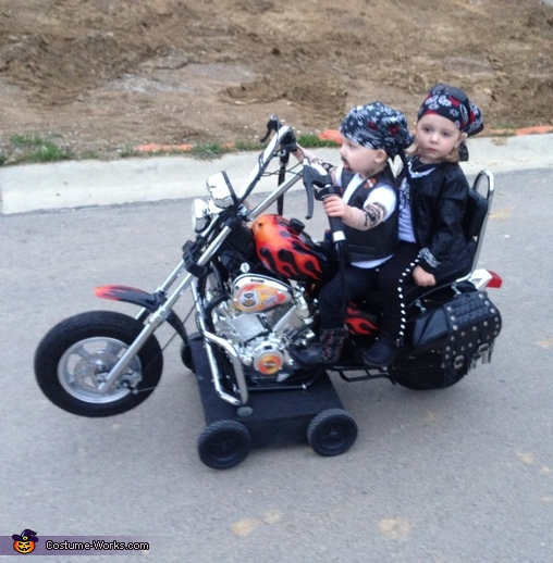 Cruising along, Biker Twins Costume