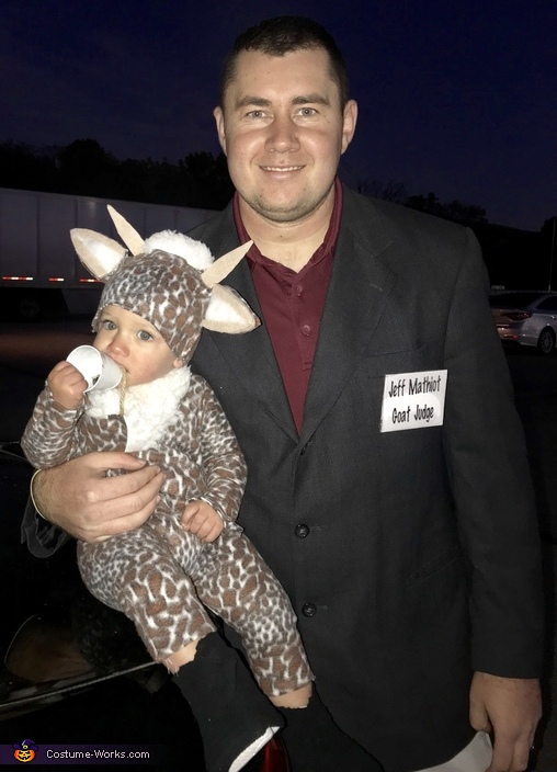 His daddy dressed at the show judge. Grayson was beck buck in show of course 😂, Billy Goat Costume