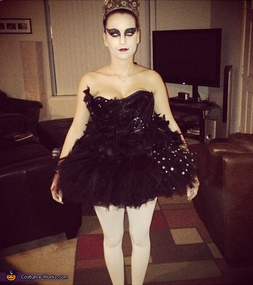black swan costume before halloween party
