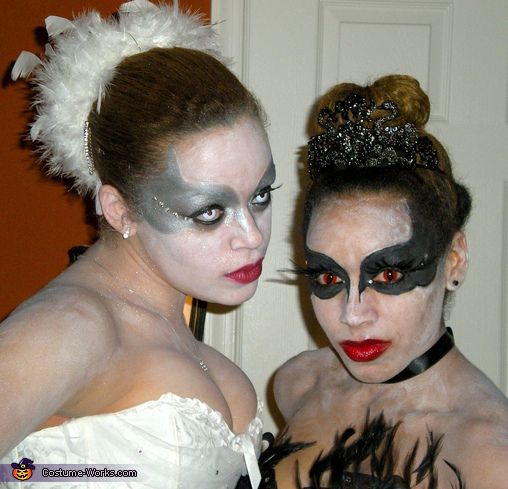Black and White Swan 3. Black Swan & White Swan - Homemade costumes for women