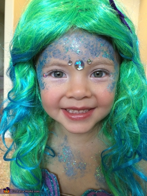 Mermaid makeup!, Blackbeard discovers Mermaid Costume
