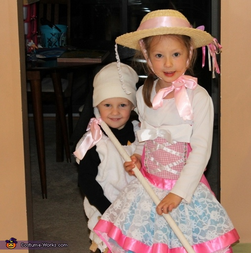 Bo Peep and 1 Sheep, Bo Peep and Her Sheep Costume