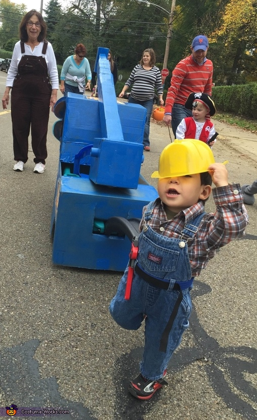 Bob drags Lofty around., Bob the Builder and his Buddy Lofty Costume