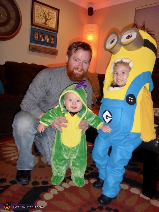 Minion and her brother the dragon, Bob the Minion Costume