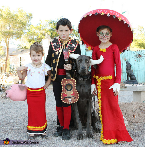 Maria, Manolo, el Toro and La Muerte, Book of Life Costume