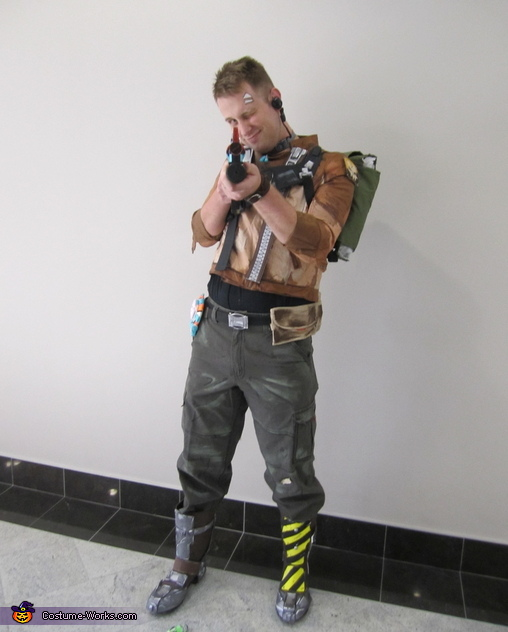 Ready for action!, Borderlands 2 Axton Costume