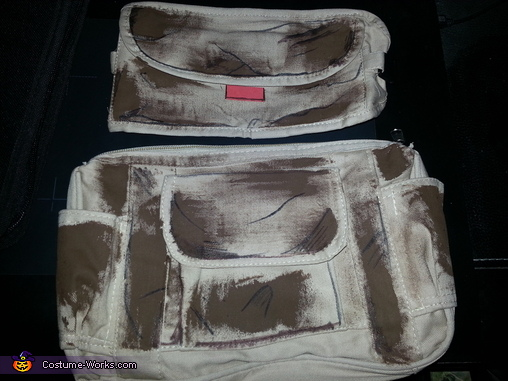 The bags he wears on his belt, Borderlands 2 Axton Costume