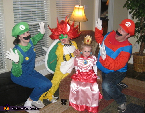The Super Mario Family, Bowser Costume