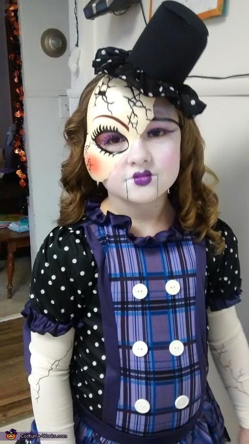 Broken Doll, Broken Doll Costume