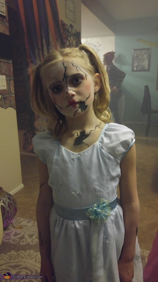 Alexis as a broken porcelain doll, Broken Porcelain Doll Costume