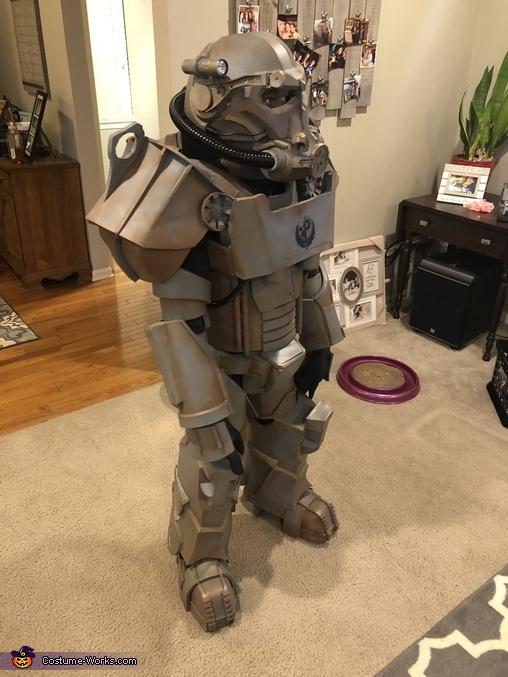 Side view, Brotherhood of Steel Power Armor Costume