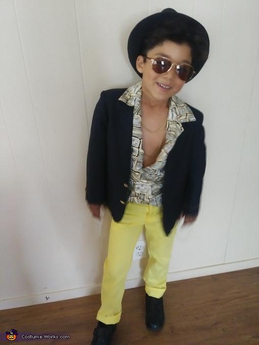 Bruno Mars Costume
