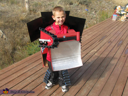 Bulldozer Rampage Transformer - Homemade costumes for boys