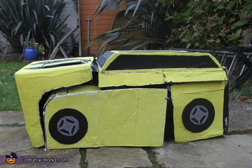 Car mode Bumblebee, Bumblebee Transformer Costume