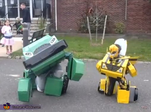Bumblebee and Bulkhead transforming, Transformers Bumblebee and Bulkhead Costume