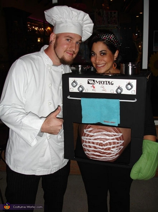 Cook Chef and Bun in the Oven - Homemade costumes for couples