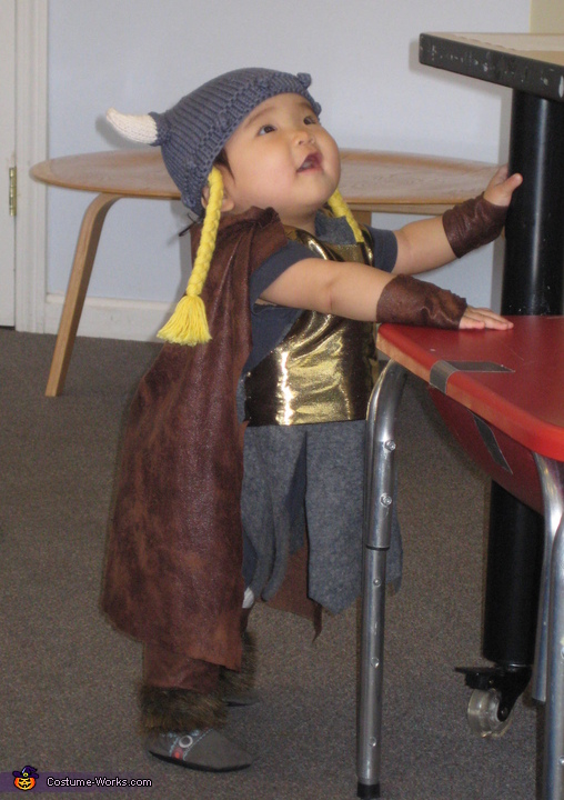 Little viking, Bunnhilde Costume