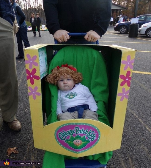 View of the box around her stroller, Cabbage Patch Kid Baby Costume