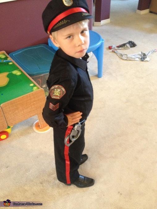 Police 3, Calgary Police Service Costume