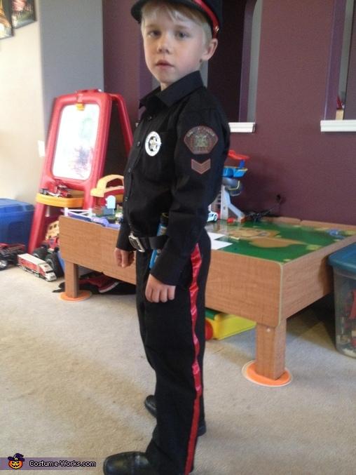 Police 4, Calgary Police Service Costume